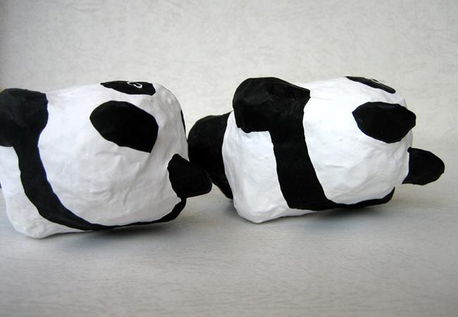 寝ころびパンダ